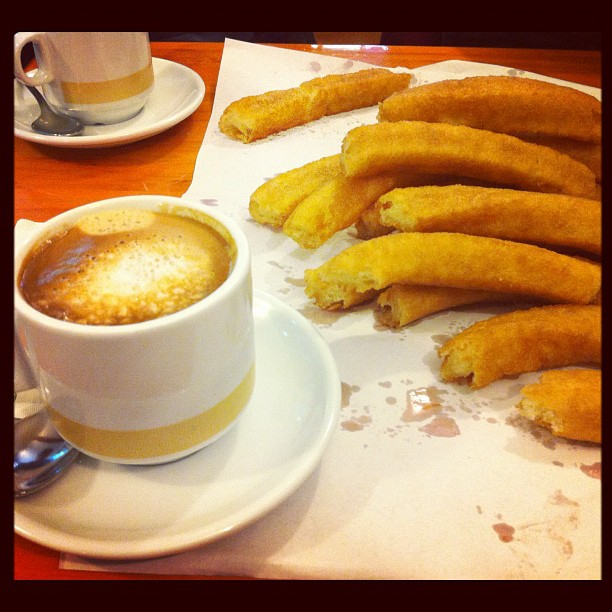 Churros y cofa con leche: Spanish breakfast.