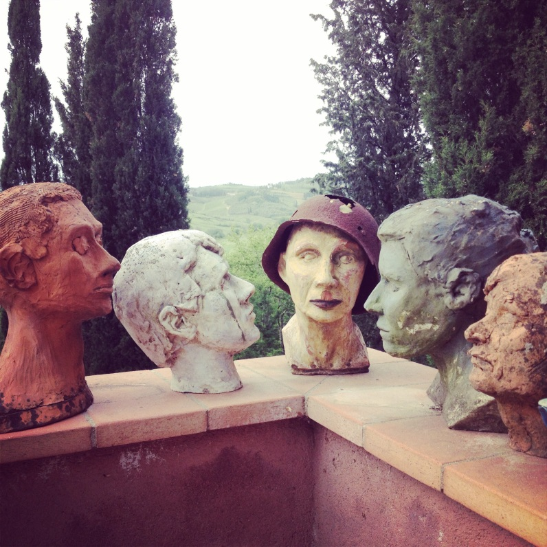sculptures and ceramics in Tuscany